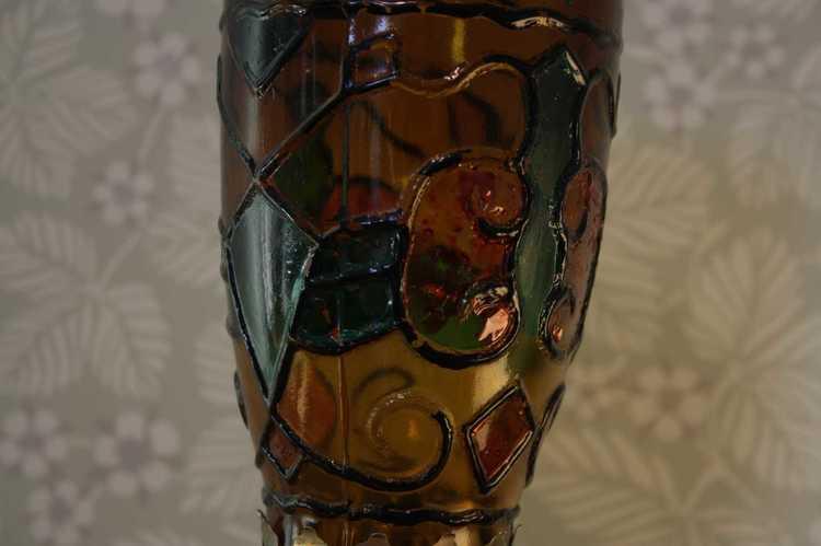Oljelampa i glas och mässing närbild kupa