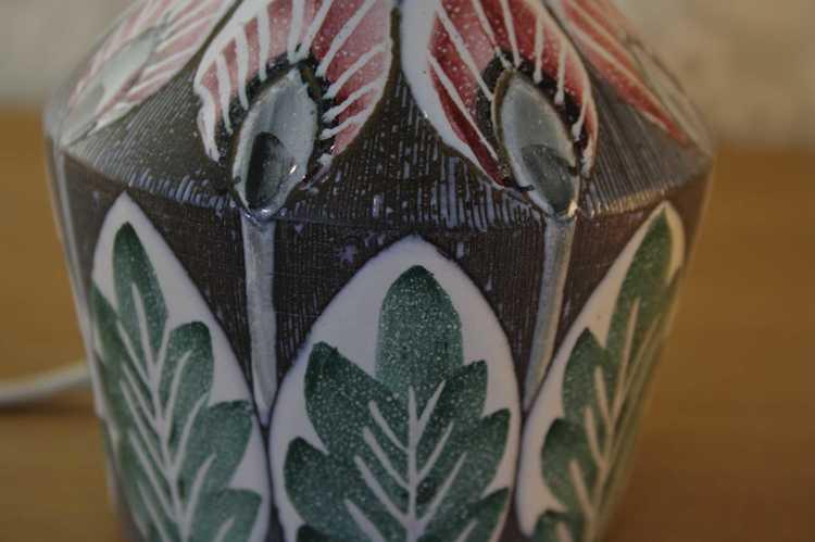 Lampfot i keramik - Tilgmans närbild mönster