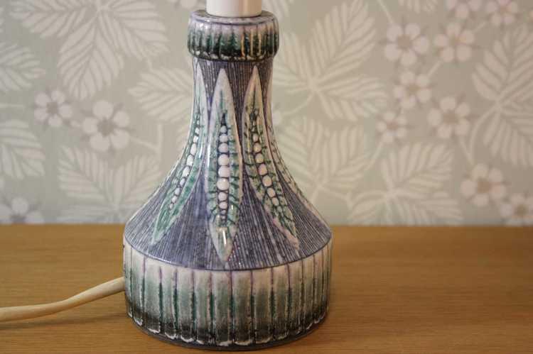Lampfot i keramik - Alingsås keramik 805 närbild mönster