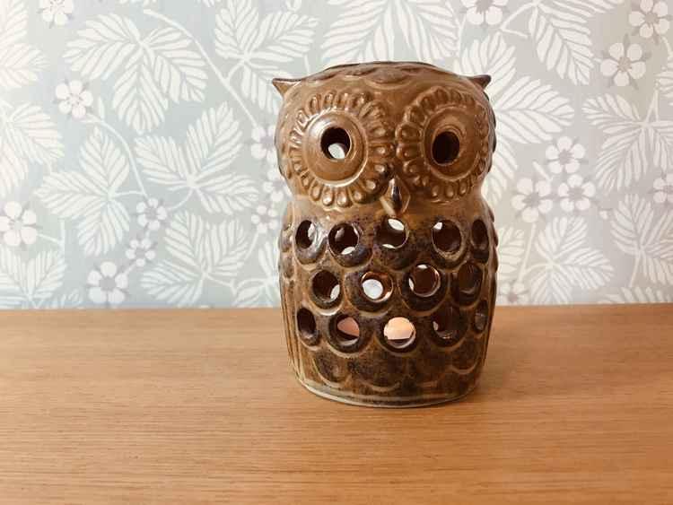 Ljuslykta uggla i keramik