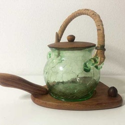 Glasburk med teaklock på teakbricka