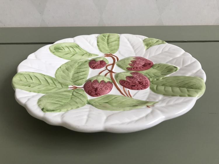 Majolika fat - jordgubbar