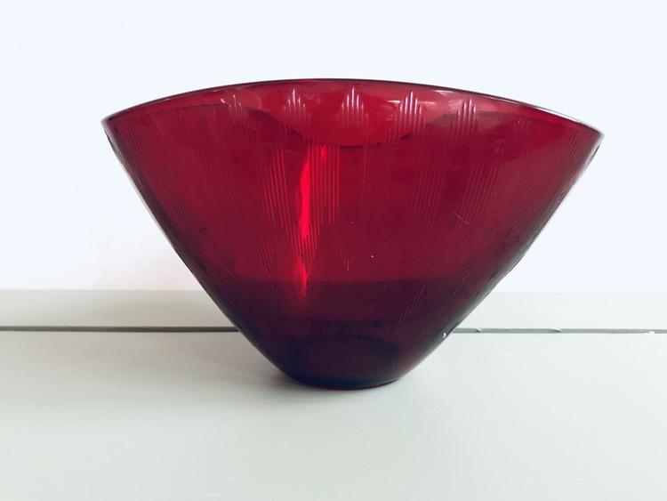 Glasskål Gullaskruf, Delphi Randi