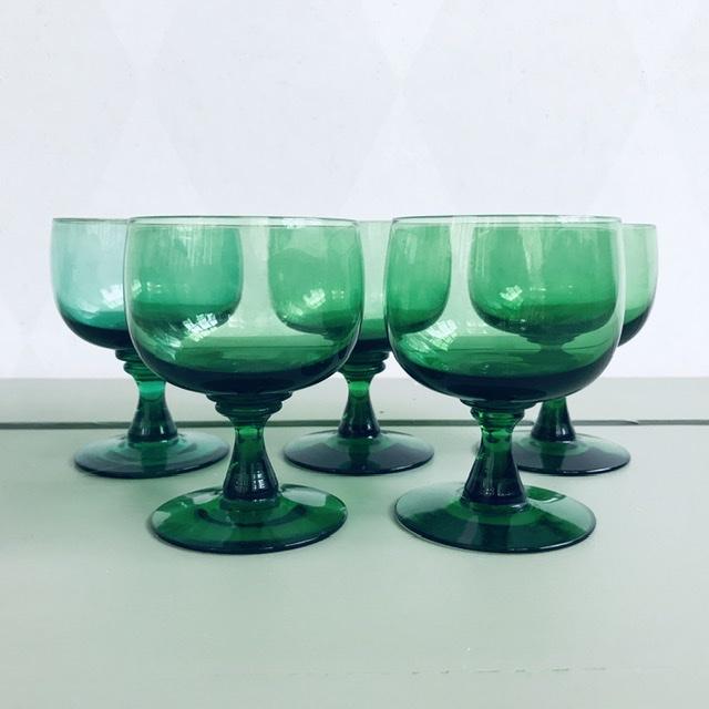 Gröna likörglas