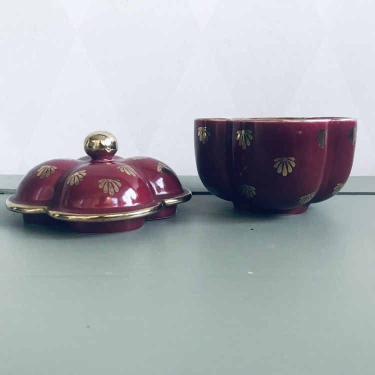 Lockburk/ Bonbonjär  - Röd Rubin, Arthur Percy, Gefle
