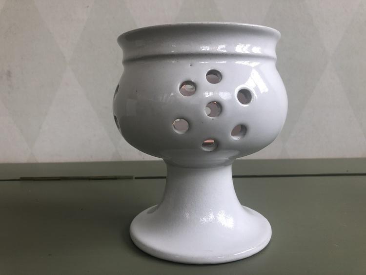 höganäs keramik vit ljuslykta på fot