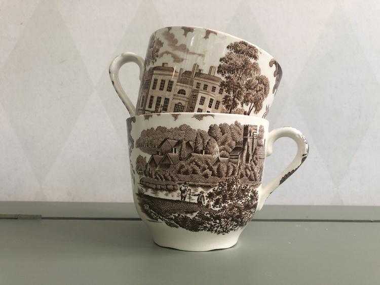 Muggar/ tekoppar - A Royal Worcester, England