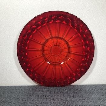 Rött glasfat/ uppläggningsfat