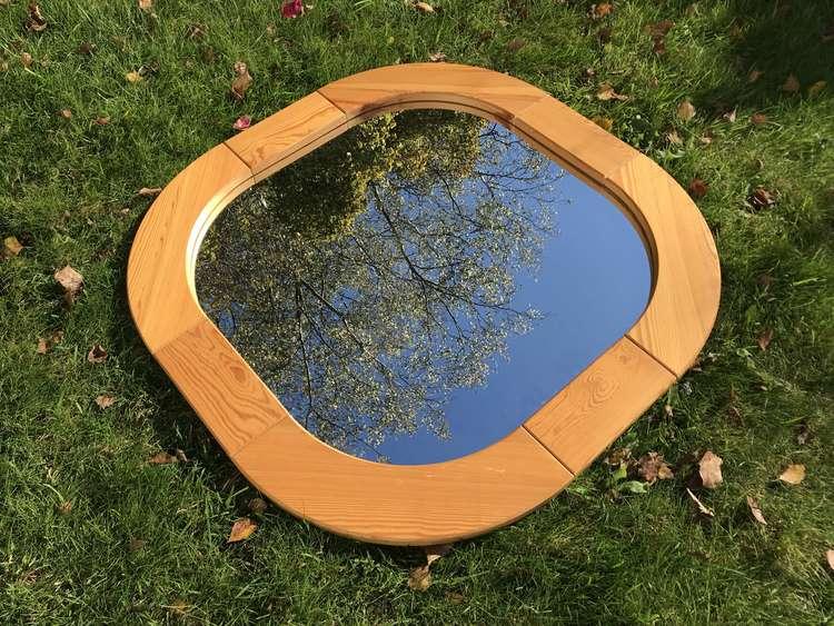 Spegel med ram i Furu 80x80cm
