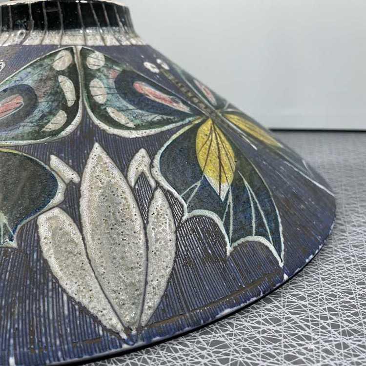 Taklampa keramik och teak Tilgmans Keramik mönster med tulpan