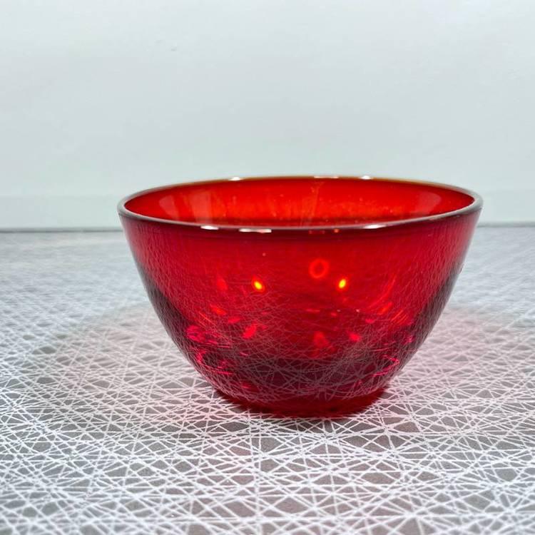 Gräddsnipa och sockerskål i röd kristall - Hovmantorp