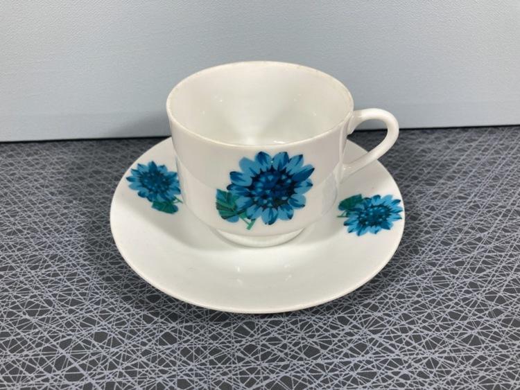 Kaffekopp med fat, blomdekor - Porslin