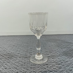 Handblåsta olivslipade snapsglas
