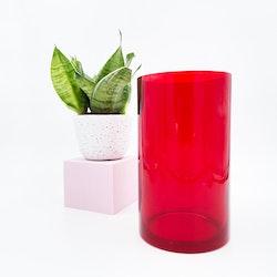 Röd och stor retro cylindervas