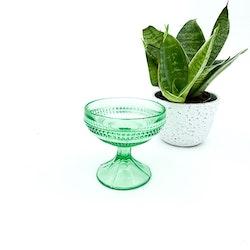 Skål på fot - grön, pressglas