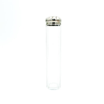 Äldre glasflaska med lock