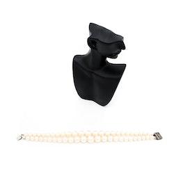 Retro armband - plastpärlor med knäppe