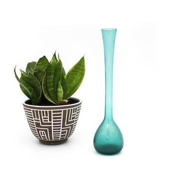 Grön handblåst bulbvas