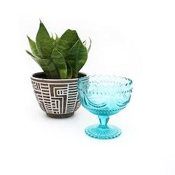 Glasskål på fot - turkost pressglas
