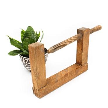 Tving i trä (Bokhållare)