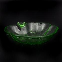 Uppläggningsfat glas, Näckros 17,5cm  - Hovmantorp Glasbruk