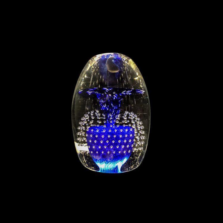 Endast exempelbild på hur uplighten kan lysa upp ett glasobjekt. Glaset ingår ej.