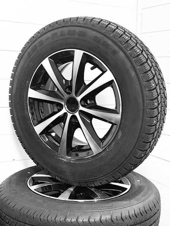 """Aluminum hjul med dubbdäck 14"""" 185/70R14"""