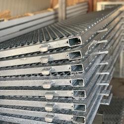 Sträckmetallsramp 50 cm hög SM-250 Serien