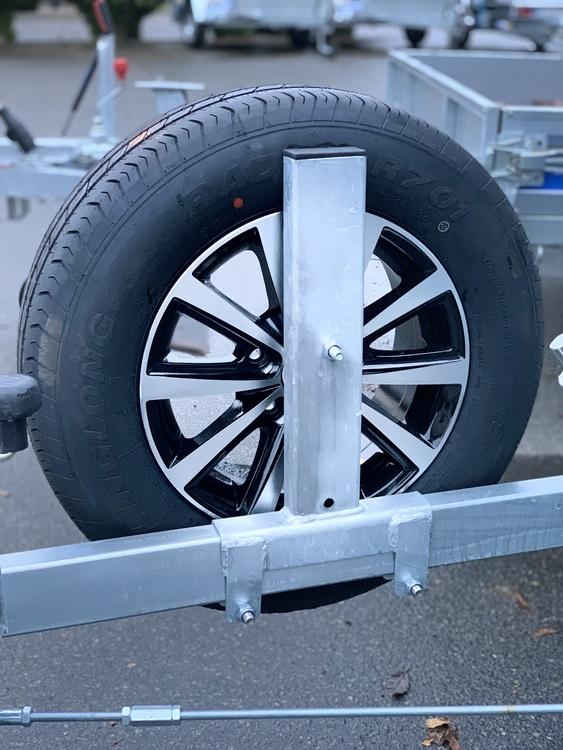 Reservhjulshållare till dragbalk