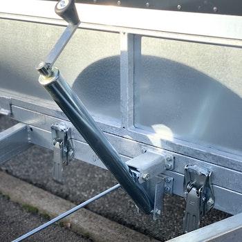 Tippskruv till släpvagn med hylsa