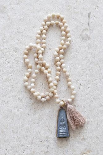 Handknutet Mala River stone mediterande budda