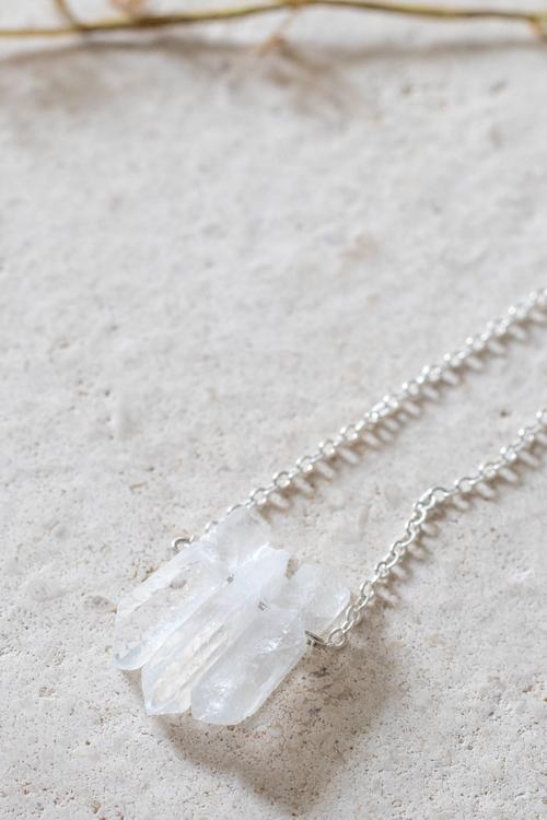Bergskristall på silverkedja 3