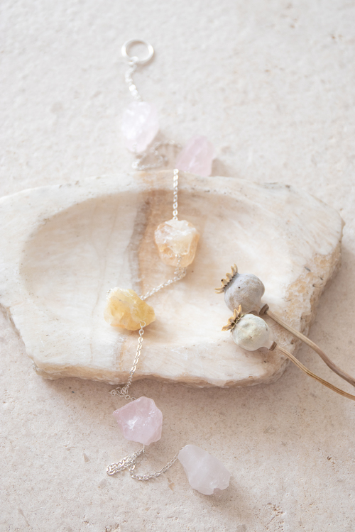 Väggdekoration med rå kristaller Abundance