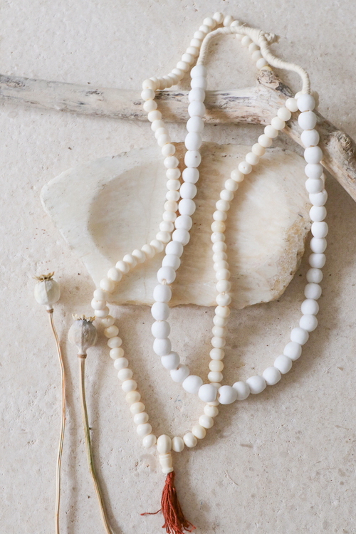 Afrikanska Glaspärlor White