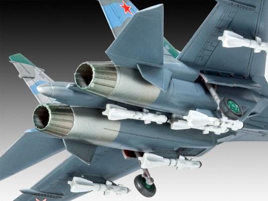 Revell Model Set Su-27 Flanker