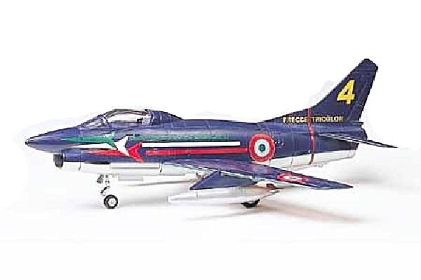 Model Fiat G.91/R1/R4 Fighter plane