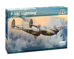 Italeri Model P-38J Lightning