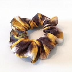Tarzan scrunchie
