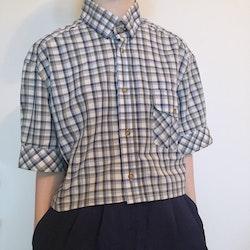 Redesignet rutet skjorte