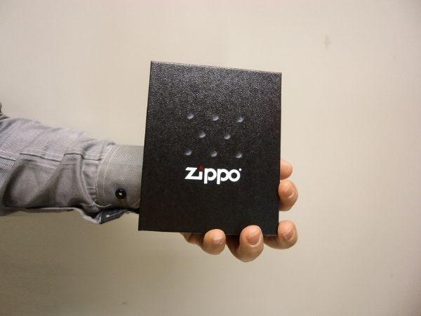 Presentförpackning ZIPPO + tillbehör
