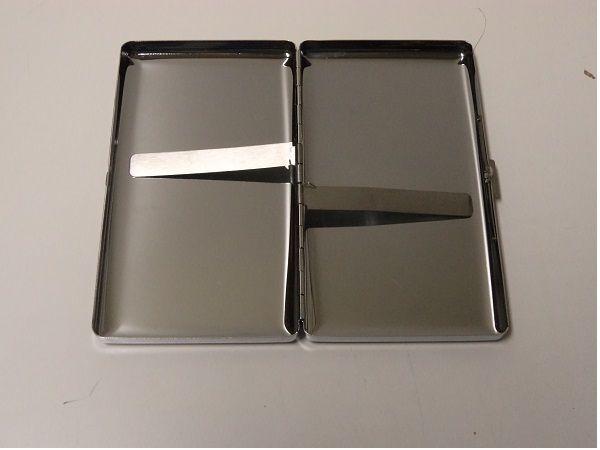 Cigarettetui Metallic Holder