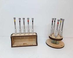 Fem skruvmejslar med ställ (Klocka/urmakeri verktyg)