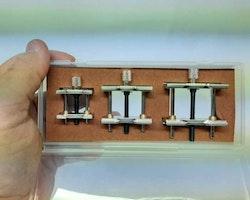 3st klockhållare i metall (Klocka/urmakeri verktyg)