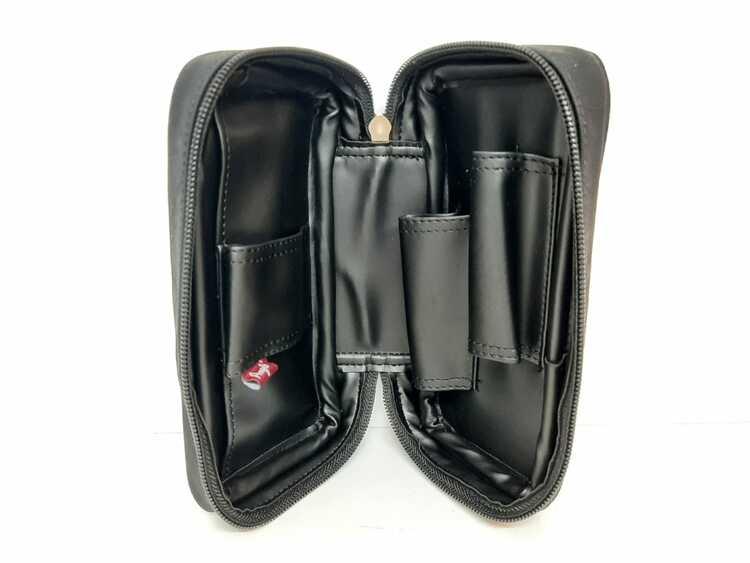 Pipset: Två pipor med väska + tillbehör