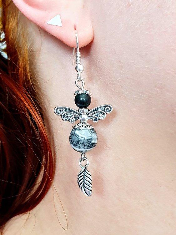 Handgjorda örhängen i grå Jaspis