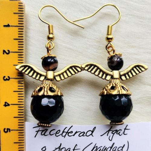 Handgjorda örhängen i svart agat