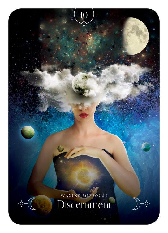 Queen of the Moon Oracle  Guidance through lunar and seasonal energies av Stacey Demarco