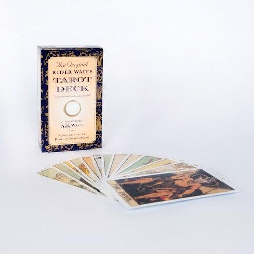 The Original Rider Waite Tarot Deck av A E Waite