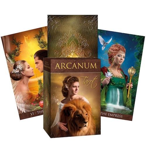 Arcanum Tarot  av Renata Lechner