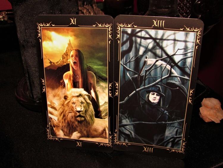 Dark Fairytale Tarot by Raffaele De Angelis